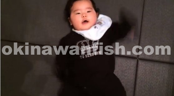 4ヶ月赤ちゃん手足バタバタ