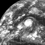 嵐の前の静けさ週末の沖縄本島