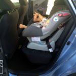 子供の乗り降りにはミニバンが便利