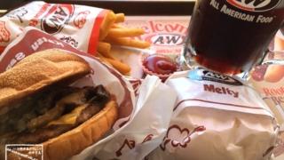A&W ハンバーガー ポテト ルートビア セット