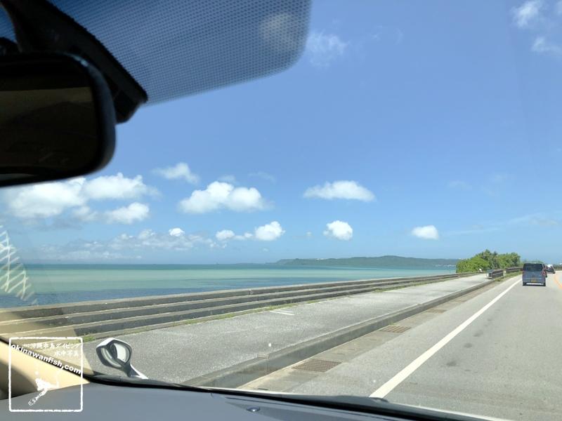 沖縄移住生活 - 2020年 梅雨明け ドライブ 車窓からの景色 沖縄の海