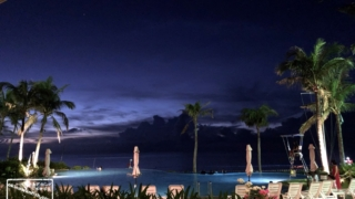 リゾート沖縄のナイトプール